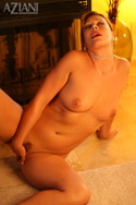 Alischa is an all-natural lady who works hard to keep her boobs perky and her pussy nice, smooth and wet