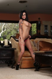 Eva Angelina looks so sexy in her glasses and nakedness.