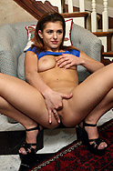Leah Gotti Spreads Pussy and Stretches it Open to the Max