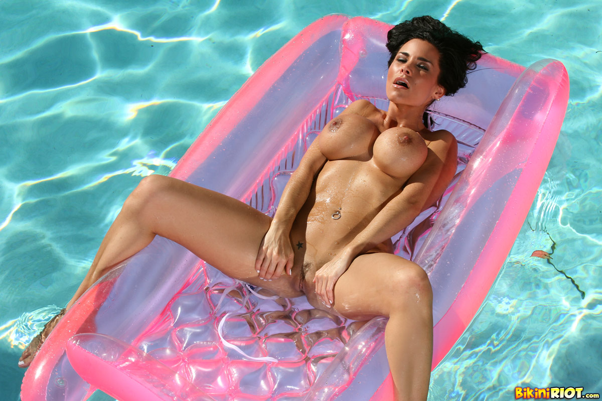 Gorgeous fishnet micro bikini photo shoot on Vimeo