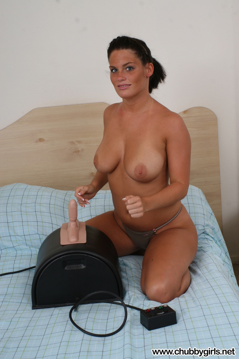 Bbw on sybian and fucked in the ass 9