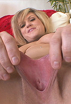 Tyla Wynn Loves Stretching Her Twat Over Big Thick Rubber Dongs